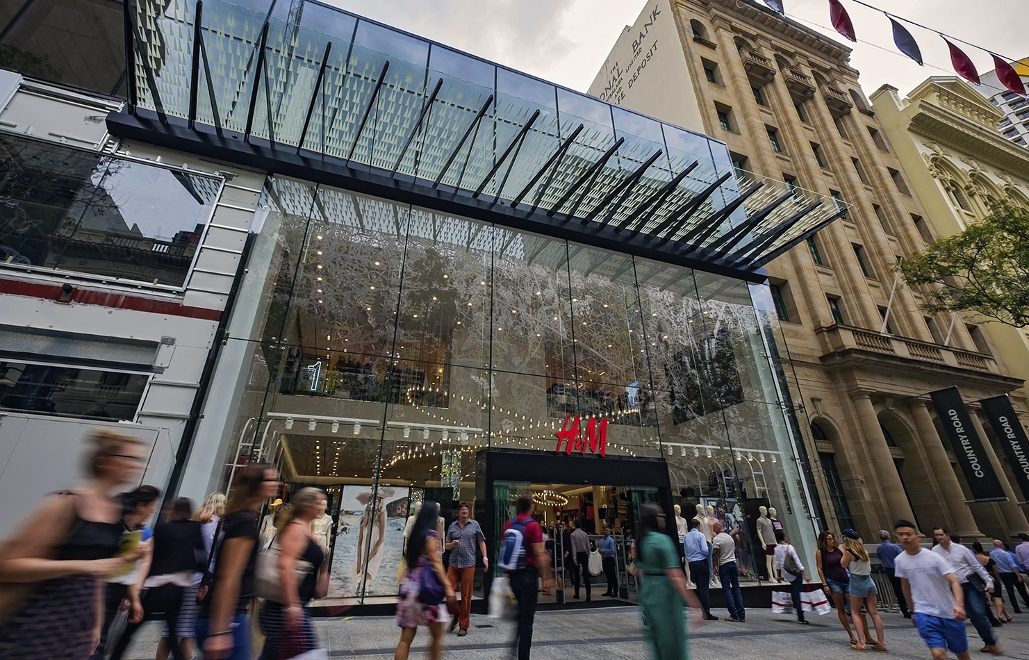 H Amp M Flagship Open Within Ispt S Redeveloped Queen Street